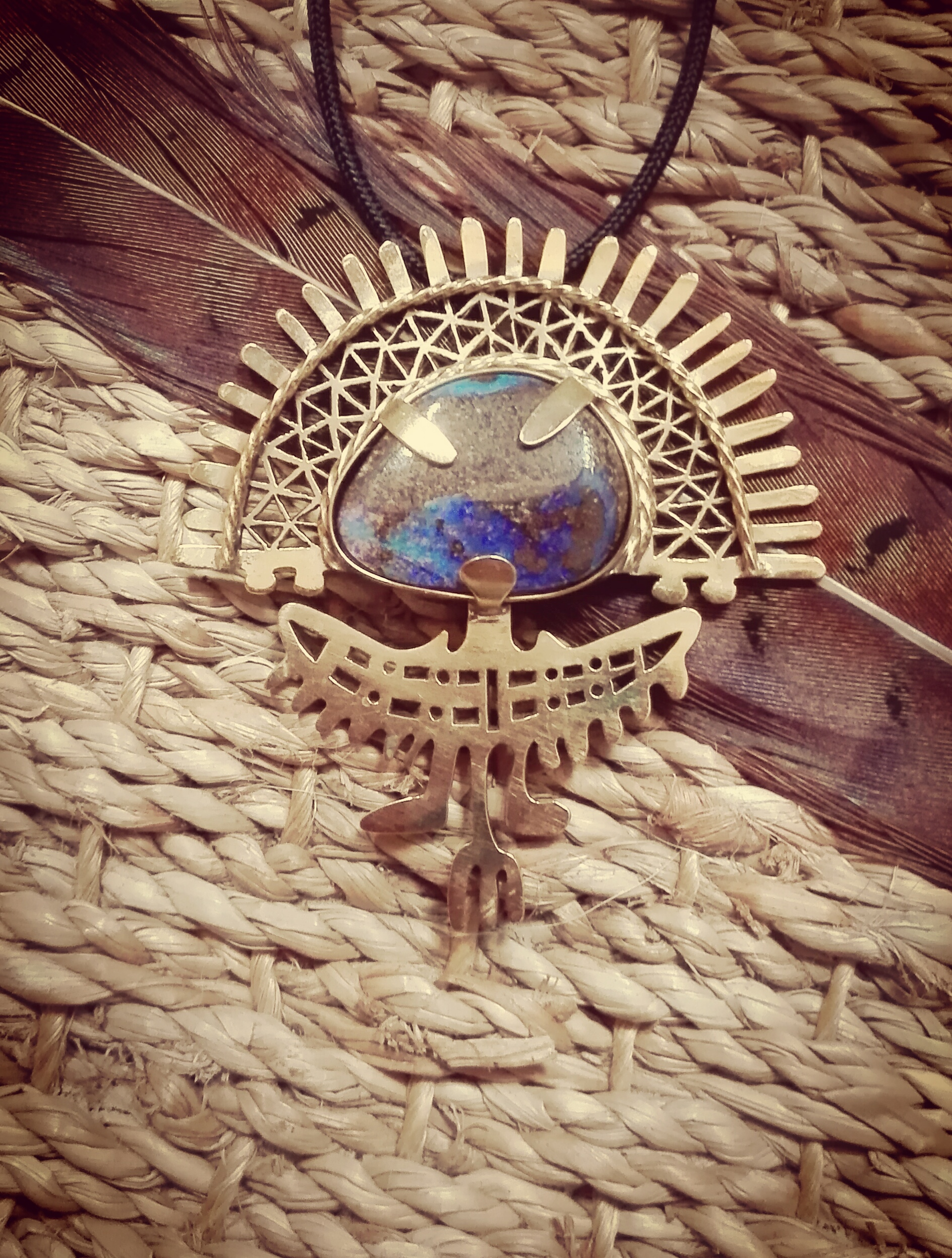 Pendentif dieu soleil et opale boulder