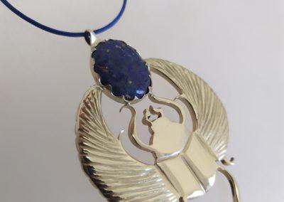 Scarabée cosmique lapis lazuli